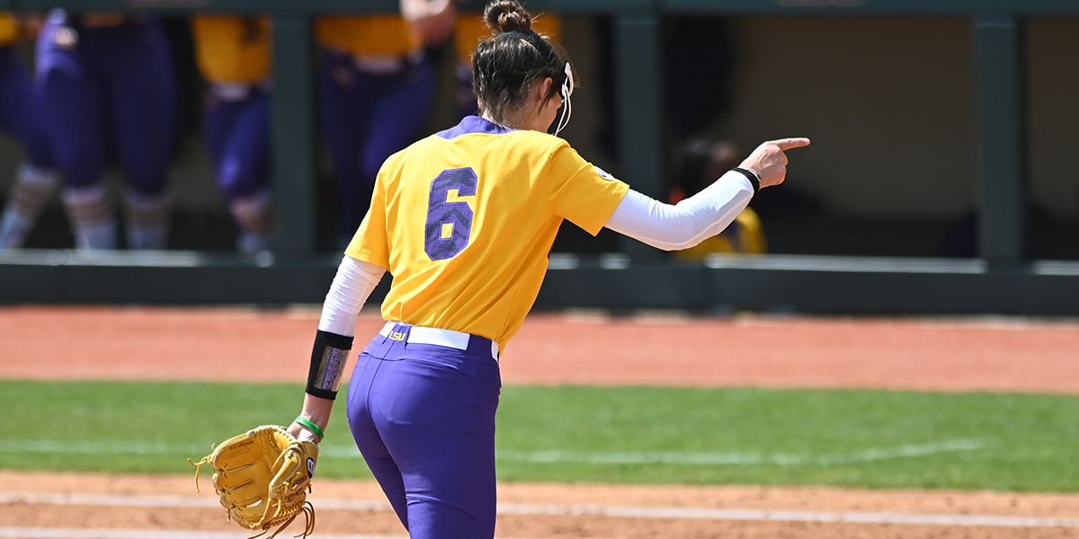 No. 4 LSU sweeps round robin against Campbell and Illinois State