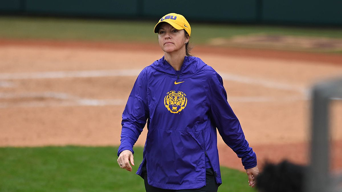 LSU softball signs 6 players for 2022 season to earn No. 6 ranking for its class