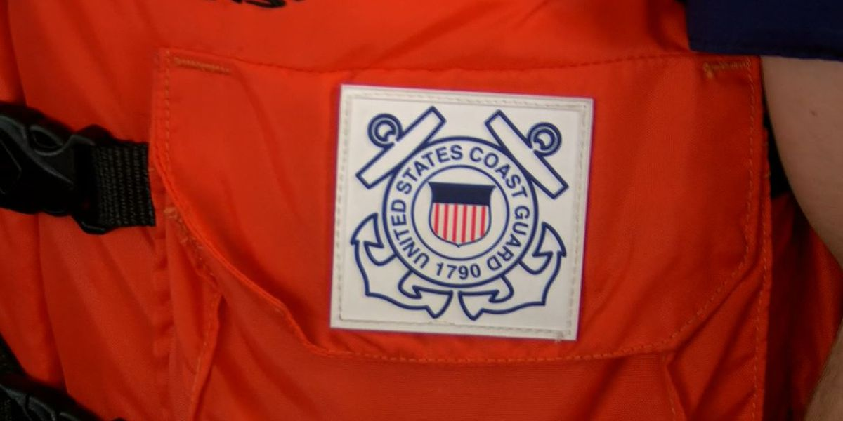 Coast Guard responds to loose barges in Mississippi River after collision