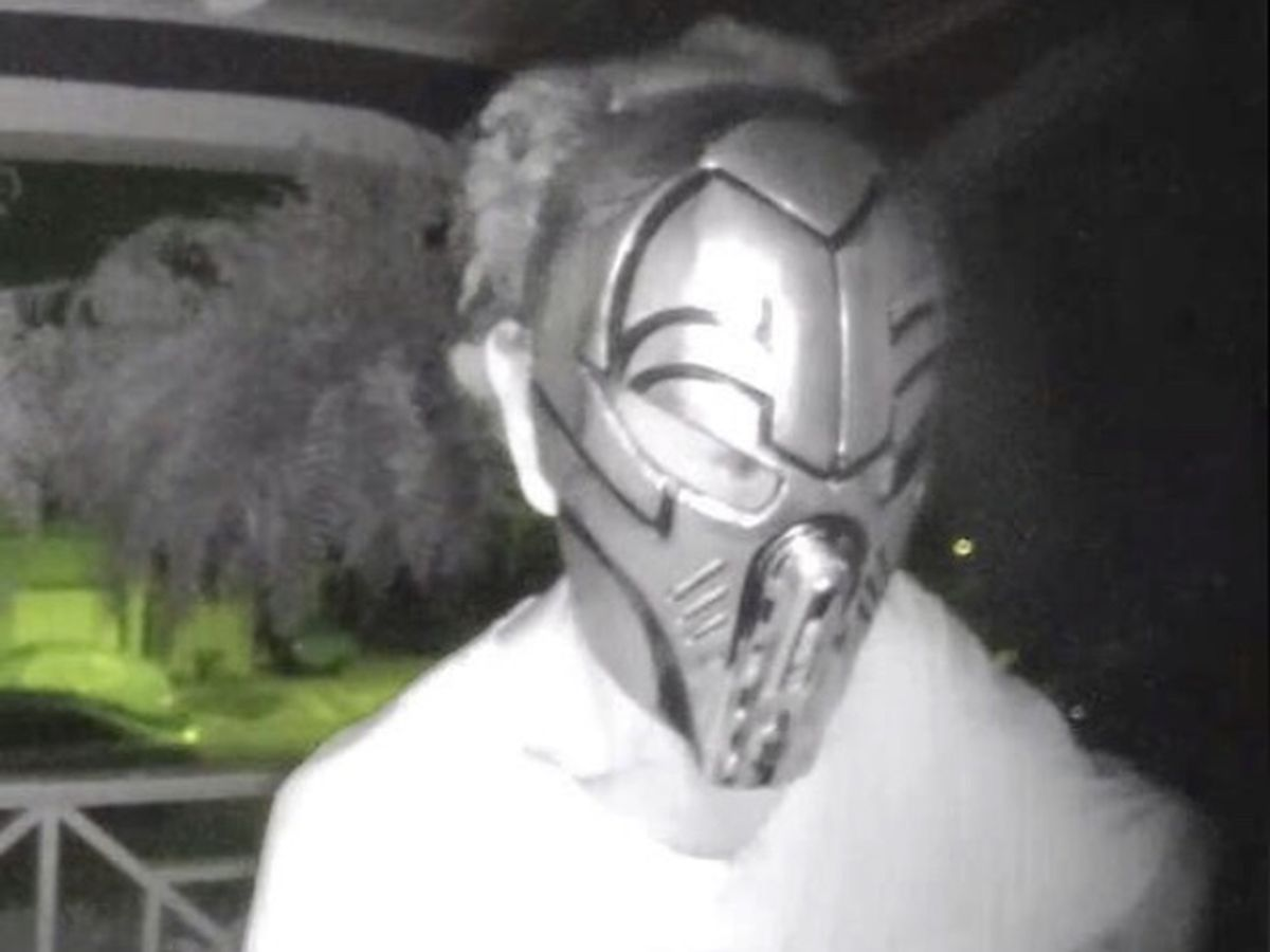'Bizarre' videos show masked man lurking around Uptown homes