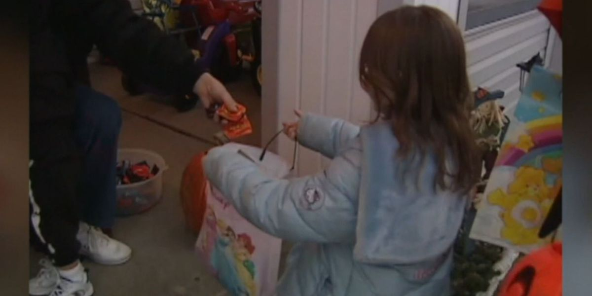 La. sheriff green lights Trick-or-Treating