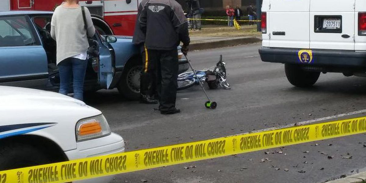 Cyclist struck, killed by vehicle in Mid City