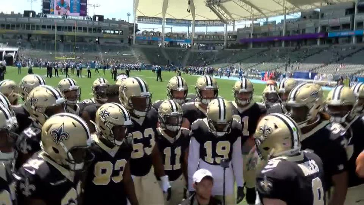 "Brees yells out popular t-shirt phrase ""Suns out, guns out"" before Saints-Chargers game"