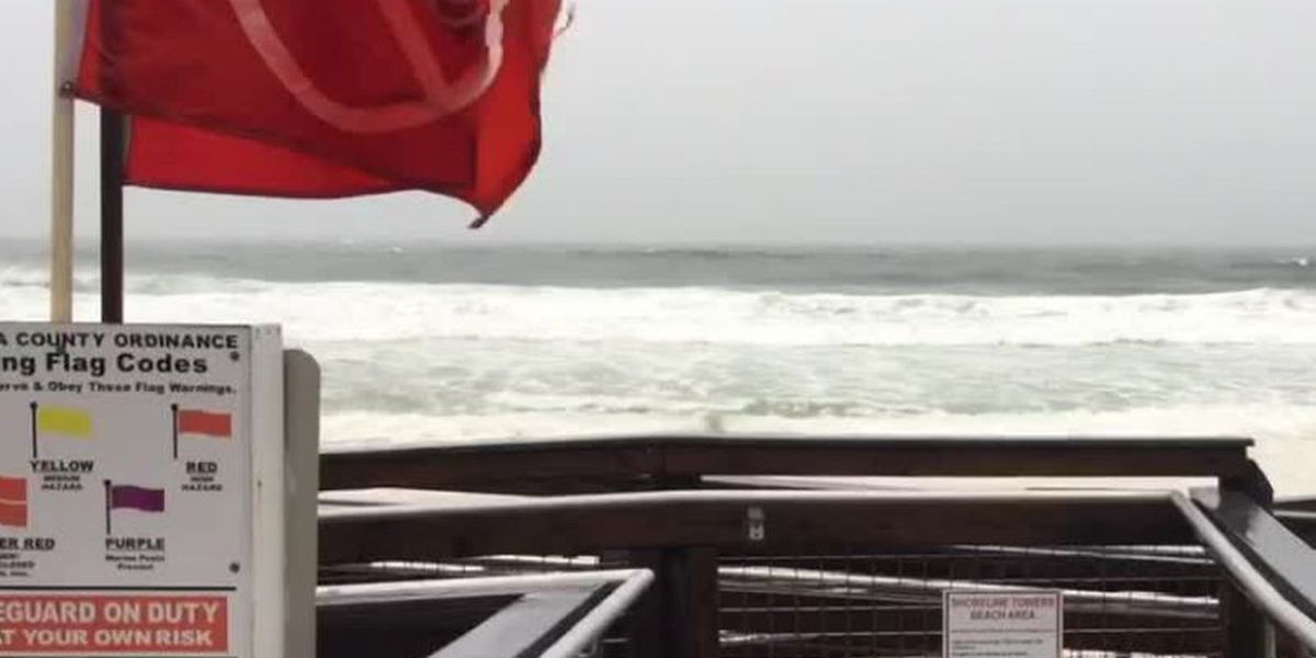 Storm warnings along Destin beach