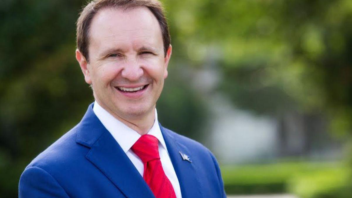 AG Landry calls statewide mask mandate, bar restrictions unconstitutional; Gov. Edwards says 'put politics aside'