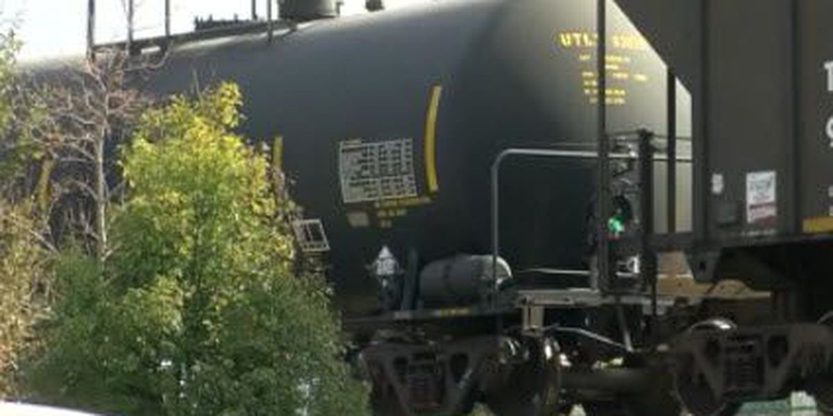 NOFD: Crews cleaning up soap substance leaking from rail car in Lakeview