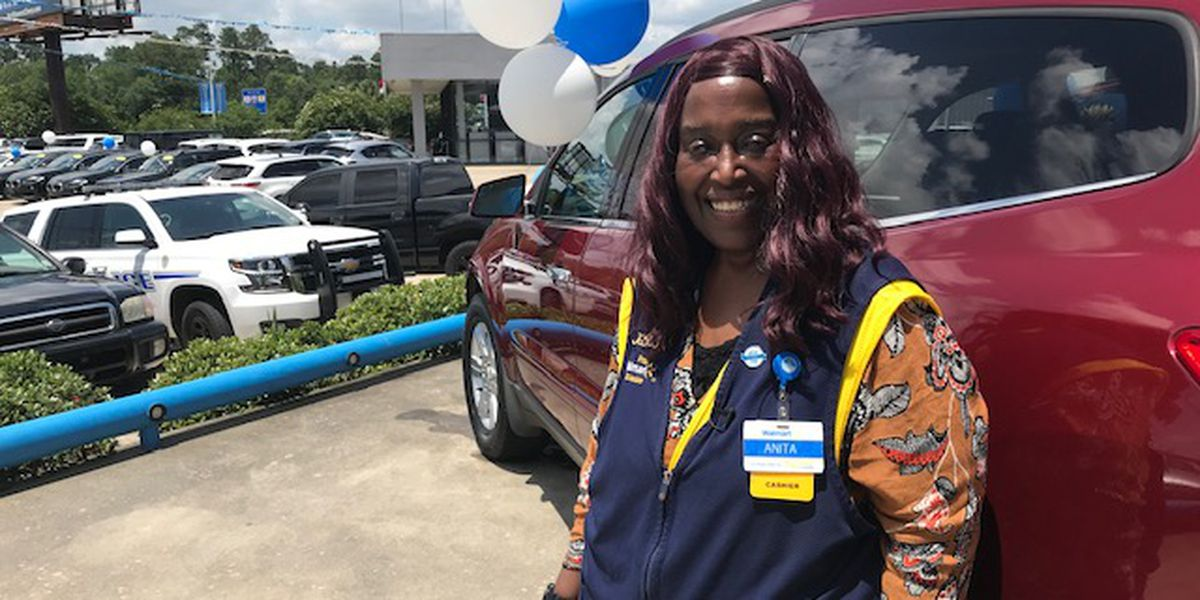 Woman who walked 6 miles to work at Walmart will receive car after officer's story goes viral