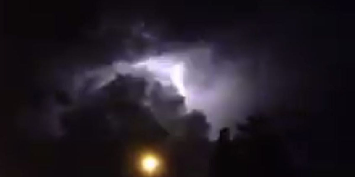VIDEO: Lightning show recorded in Lafitte