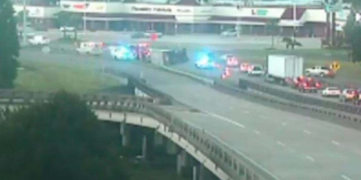 3 lanes blocked on I-10 East and Clearview after 18-wheeler overturns