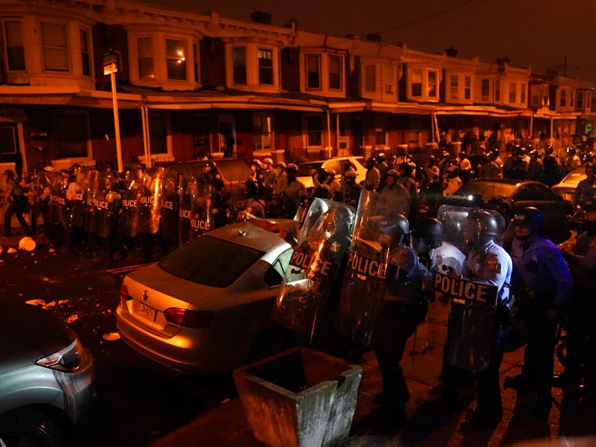 GRAPHIC: Philadelphia police shooting of Black man sparks unrest