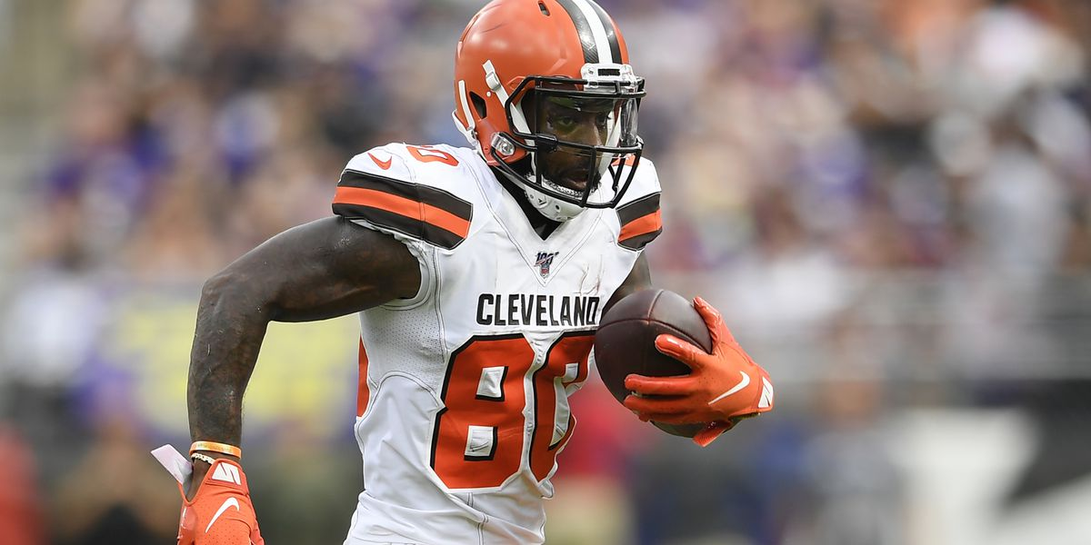 Cleveland Browns' Jarvis Landry cleared concussion protocol, set to play against 49ers