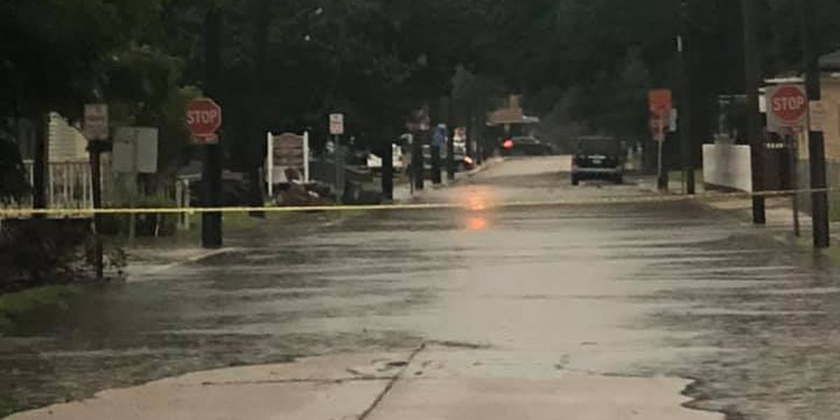 VIDEO: Severe thunderstorms, strong winds cause morning flooding in some areas