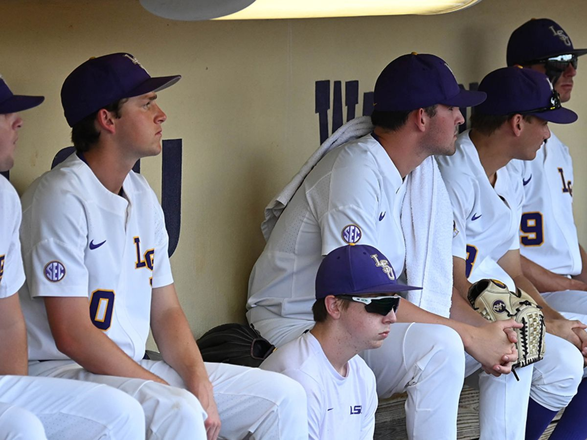 LSU lets early lead slip away in loss to Florida State in super regional opener