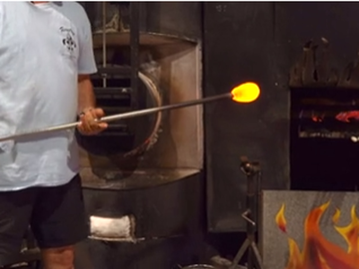 Heart of Louisiana: Glassblowing studio teaches 2,000 year old art