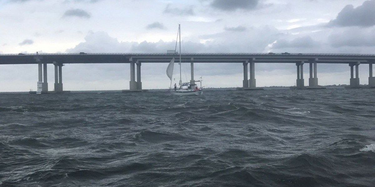 2 people rescued from sailboat in Lake Pontchartrain