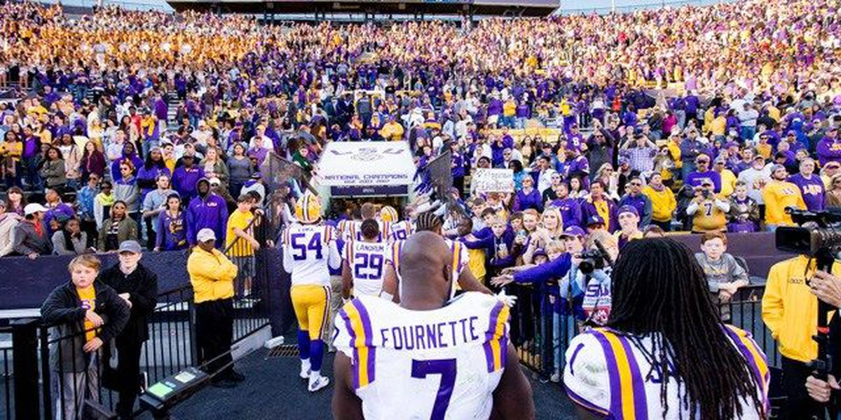 Football, Fùtbol, Food: Should the Saints take Fournette if available?