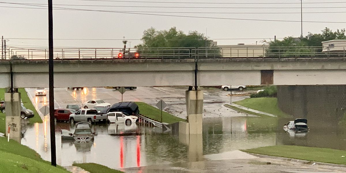 Body recovered from flooded vehicle underneath Bluebonnet Blvd underpass, officials say