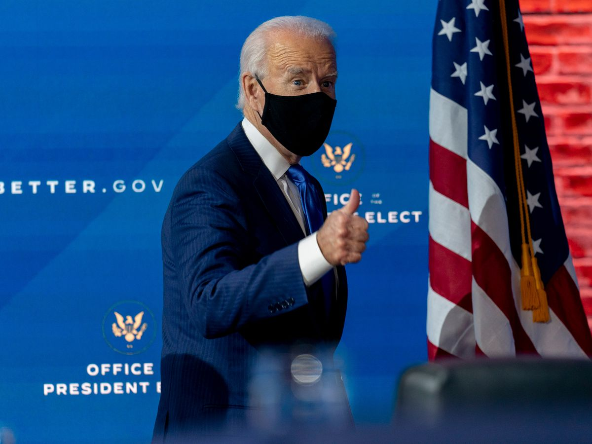 Among first acts, Biden to call for 100 days of mask-wearing