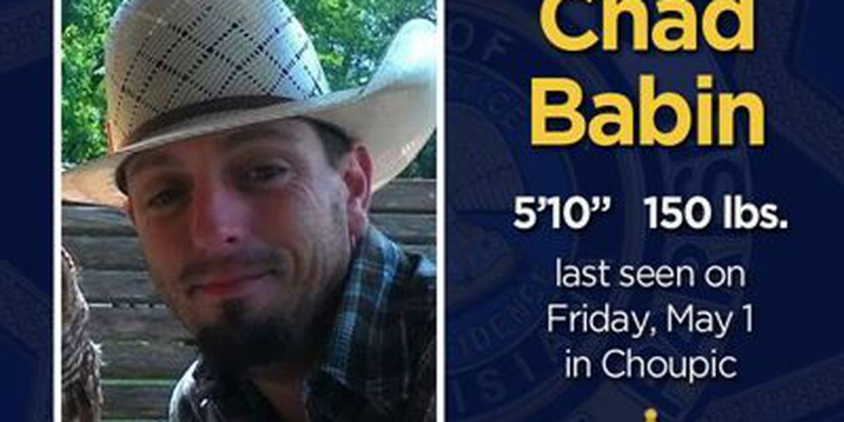 Deputies, detectives, volunteer firefighters search for missing man