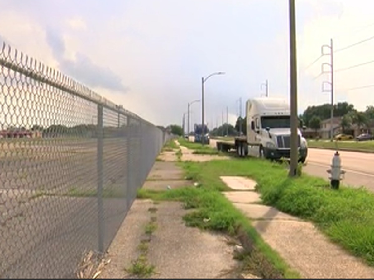 FOX 8 Defenders: City says 18-wheelers did not violate parking laws in New Orleans East