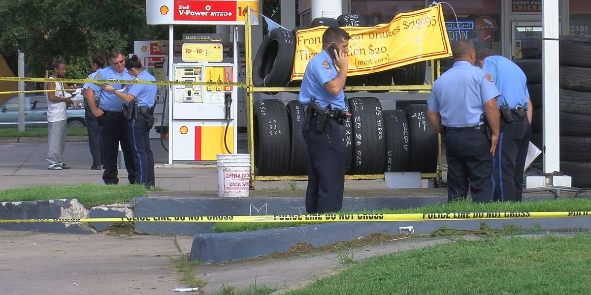 Tire shop worker found dead inside S. Carrollton business
