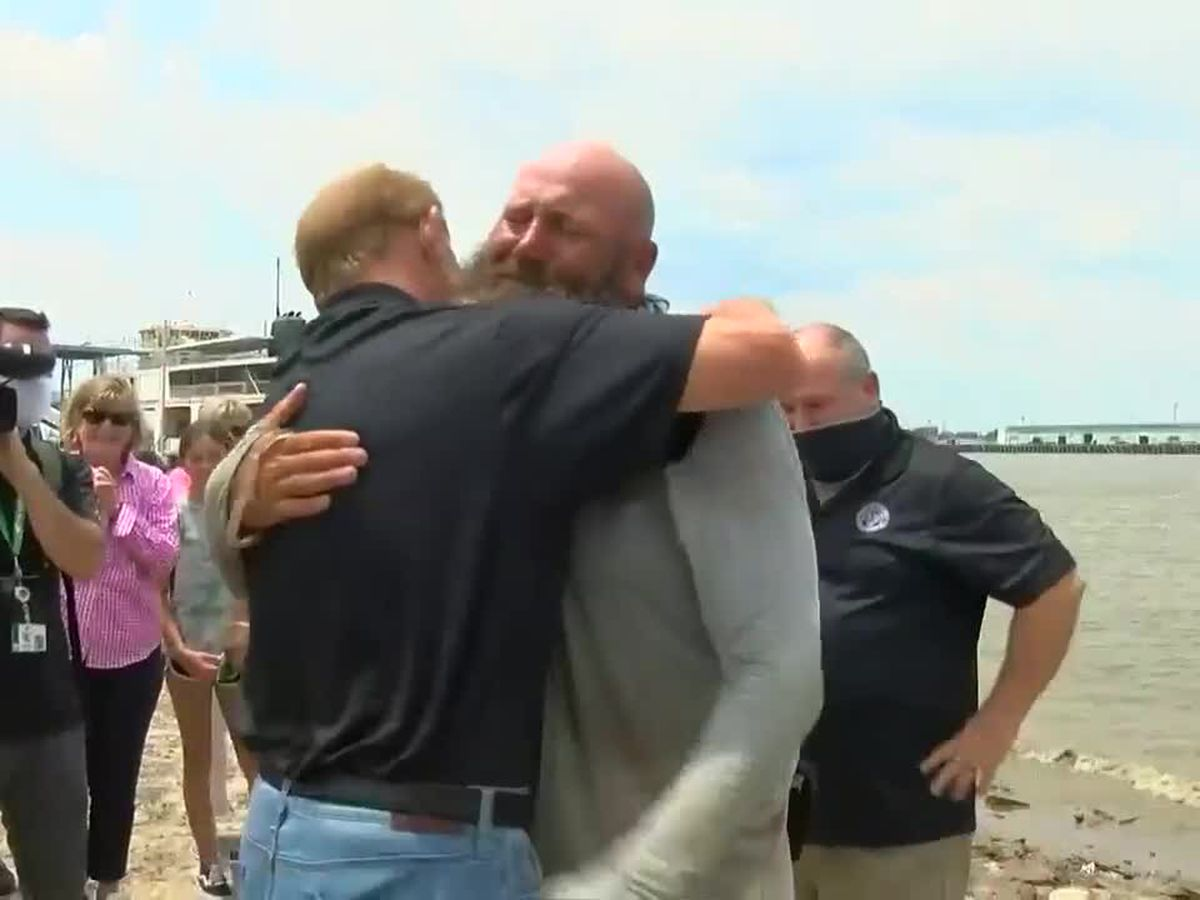 Gretna man arrives home to fanfare after 2,500 mile kayak trip down Mississippi River