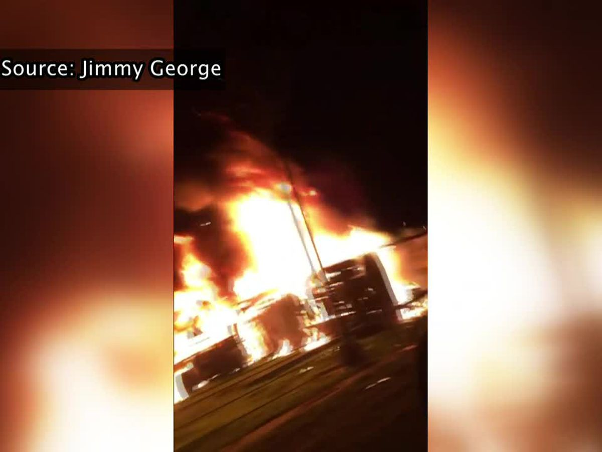 One lane of I-10 East at Vets remains closed after fiery crash