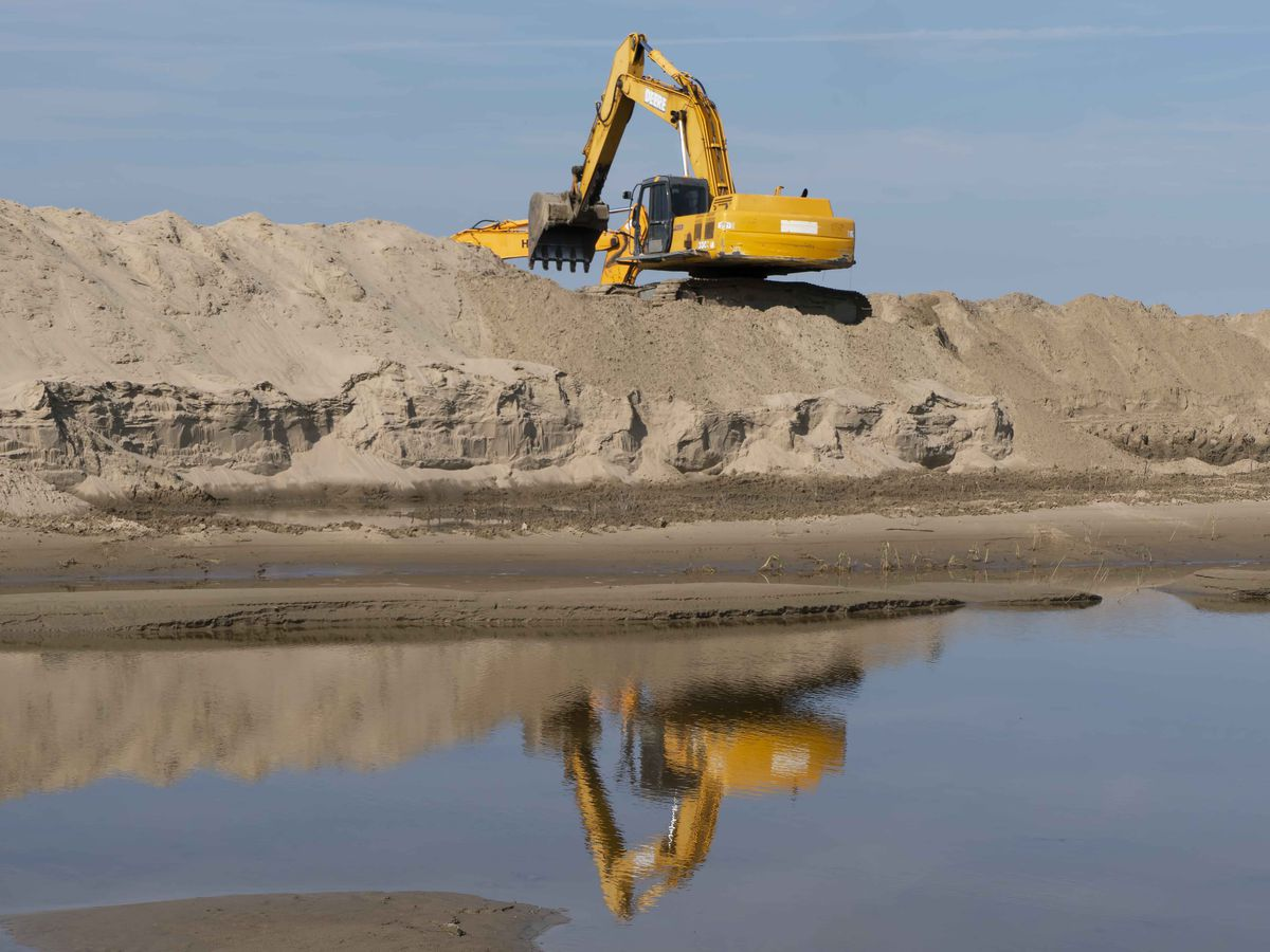 Sediment piled high in the Bonnet Carre Spillway after an unprecedented year
