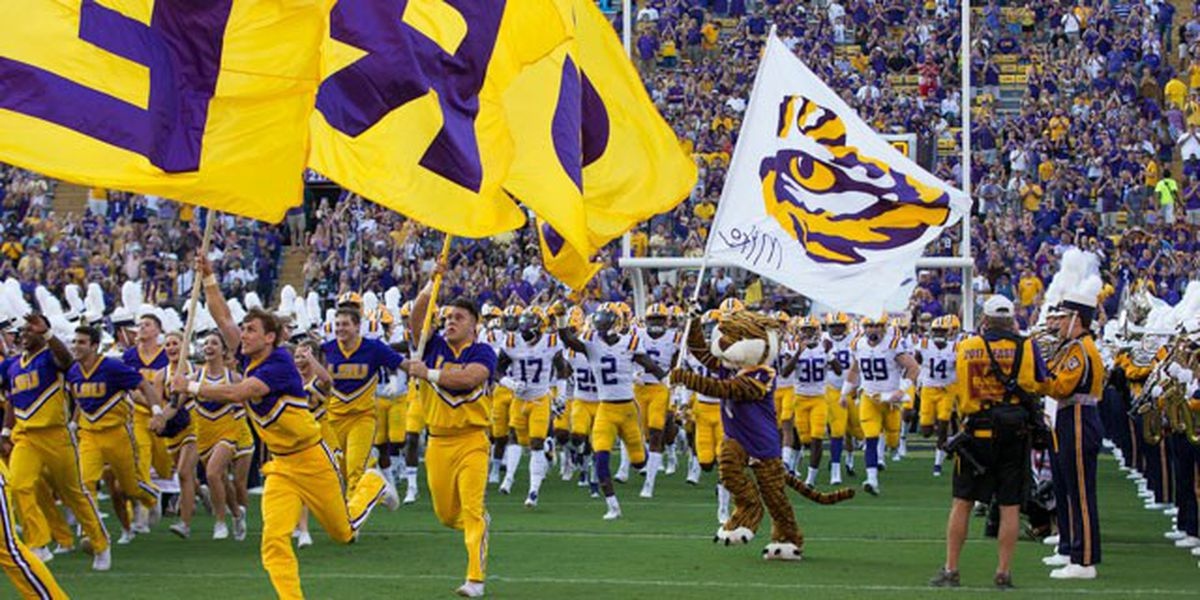 Report: At least 30 LSU football players in quarantine due to COVID-19