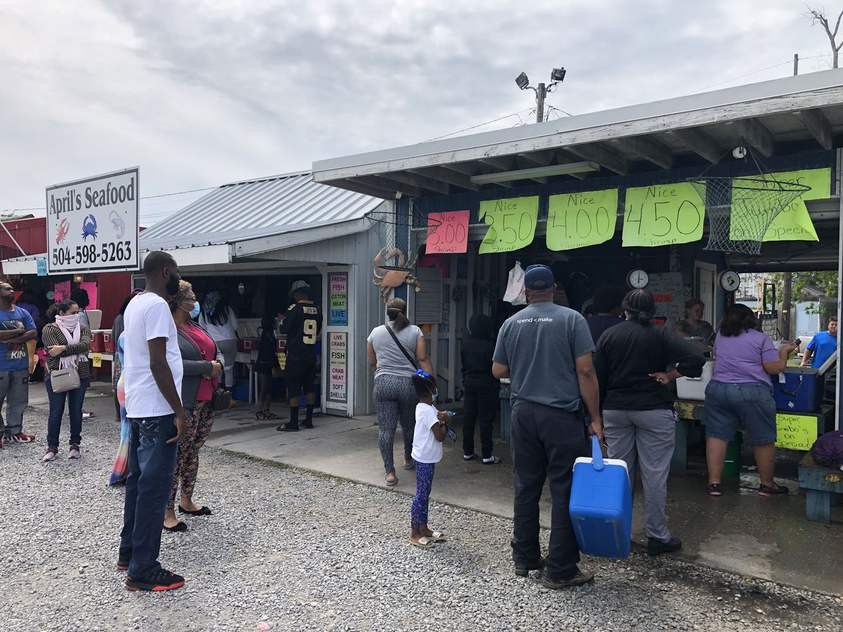 Good Friday crawfish sales continue amidst social distance