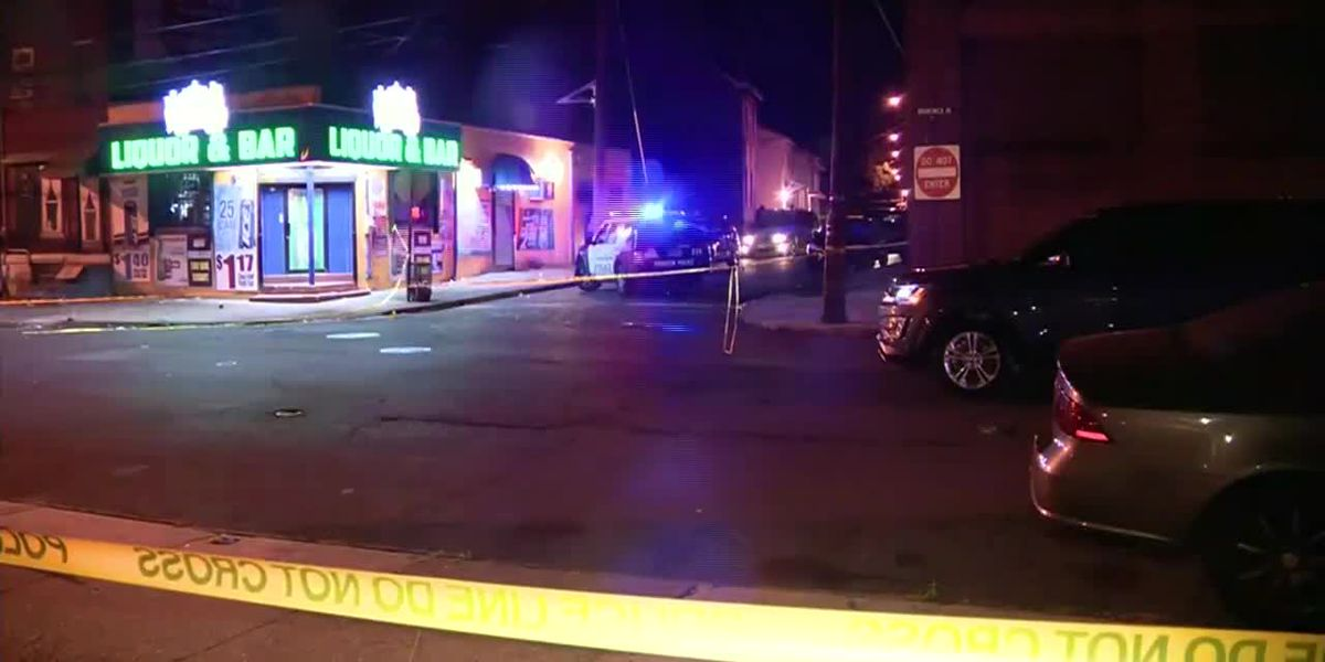 Gunman wounds 10 outside New Jersey bar