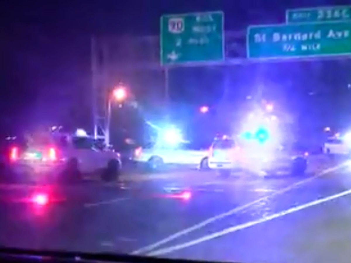 2 shot on I-10 in New Orleans, interstate reopens after investigation