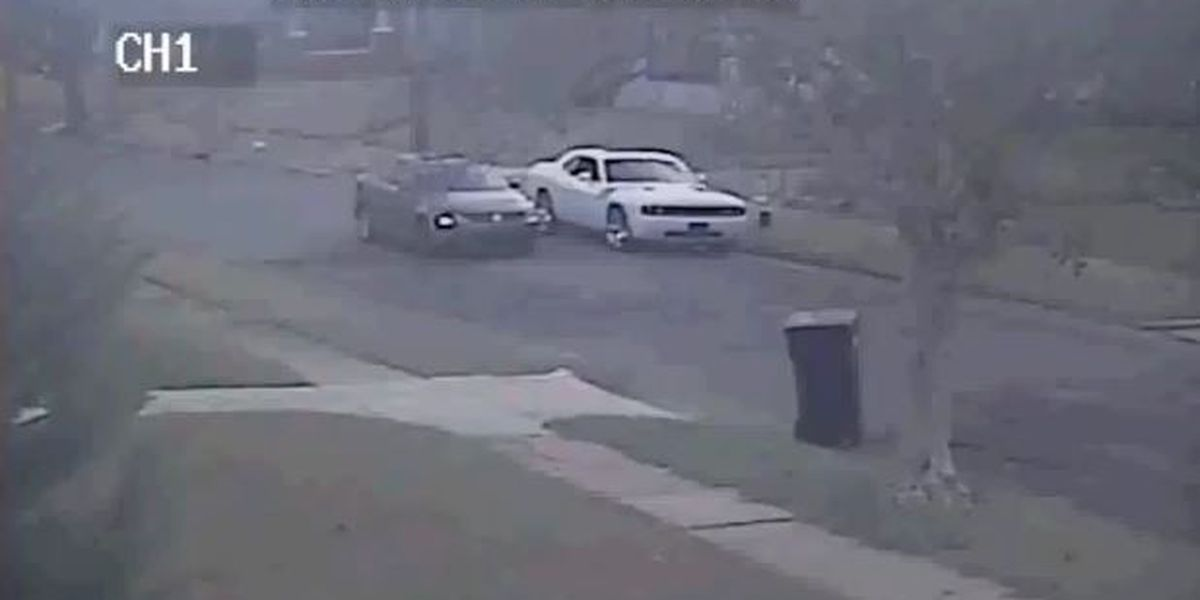 NOPD searching for attempted burglars caught on camera