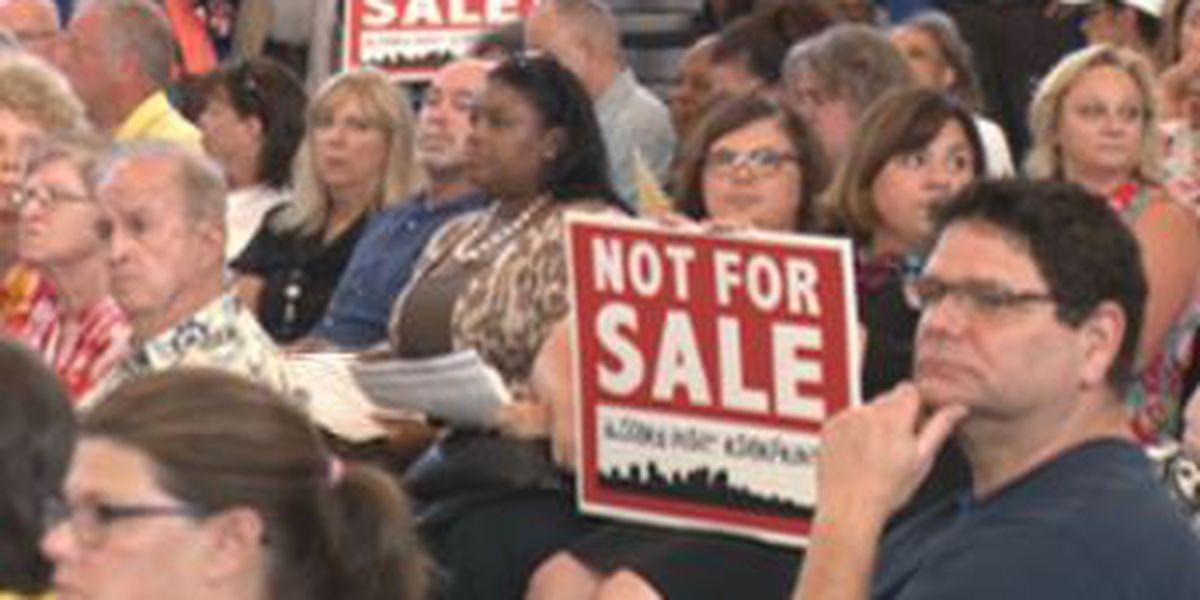 Landrieu takes on Algiers rezoning, public defenders at town hall meeting