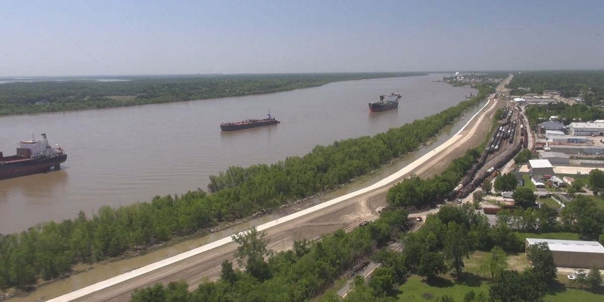 Supporters of Louisiana's largest coastal project welcome the findings in a new federal report