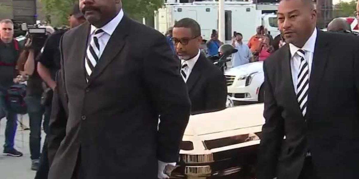 New Orleans funeral director serves as pallbearer for Aretha Franklin