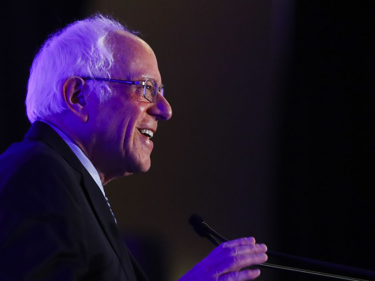 Democrats band together to knock Sanders during debate clash