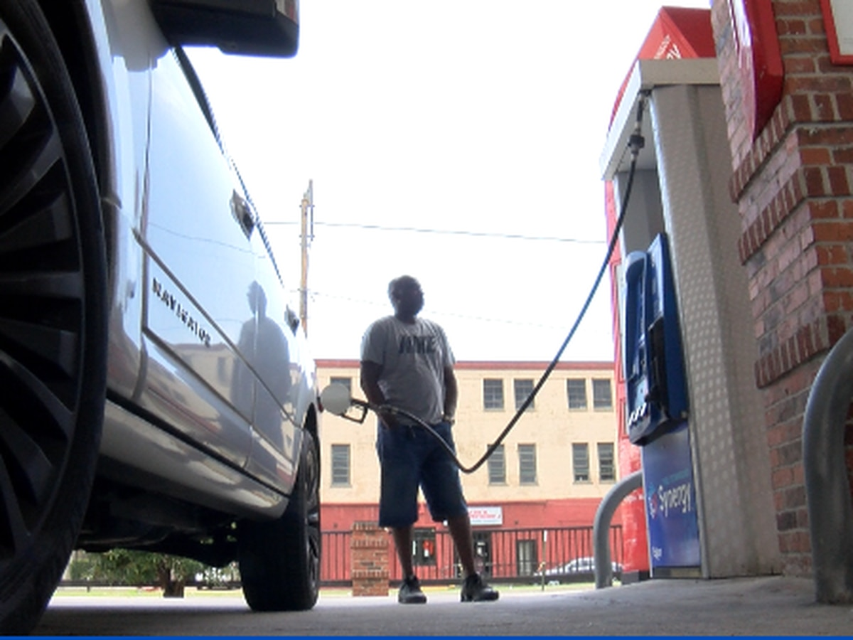 Gas prices inch up as people take to the road for the 4th of July holiday