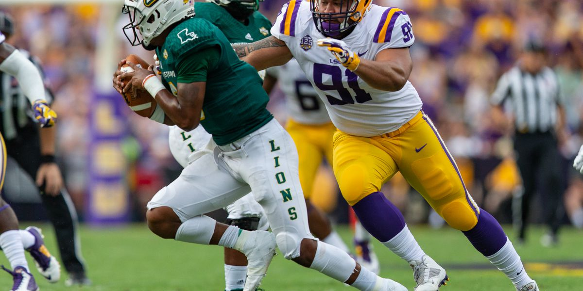 LSU defensive lineman Breiden Fehoko will be back for his senior season