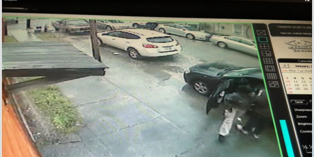 New Orleans police look for theft suspect