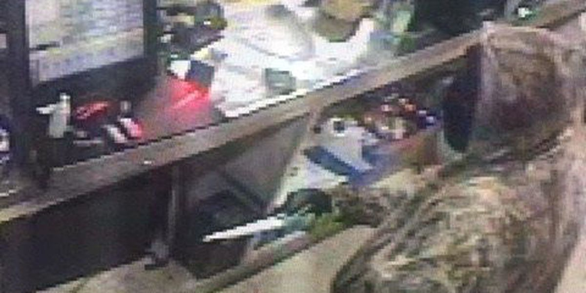 Knife wielding robbers steal cash from Houma convenience store