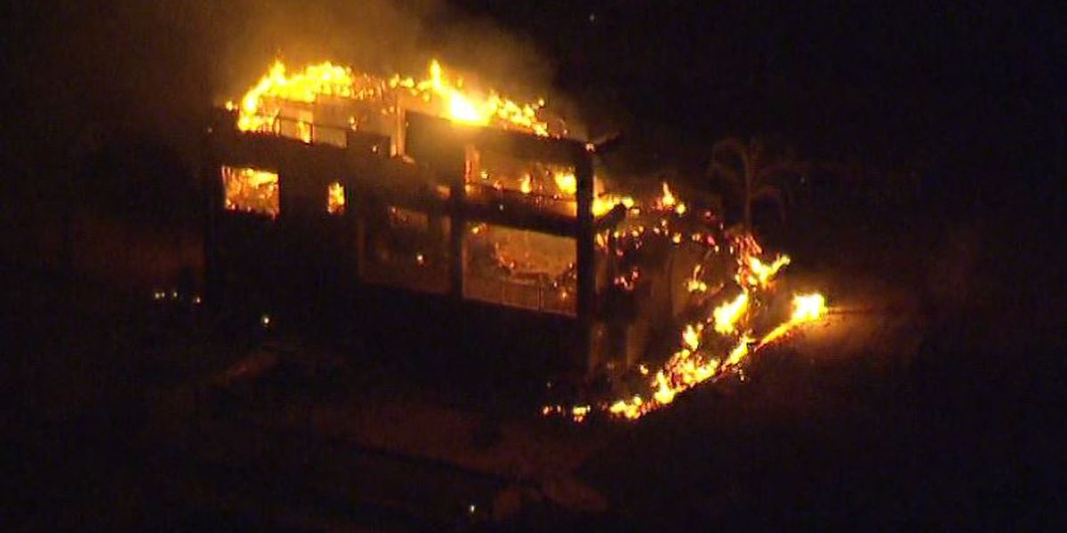 Wildfires rage in California; 31 dead, more than 200 missing