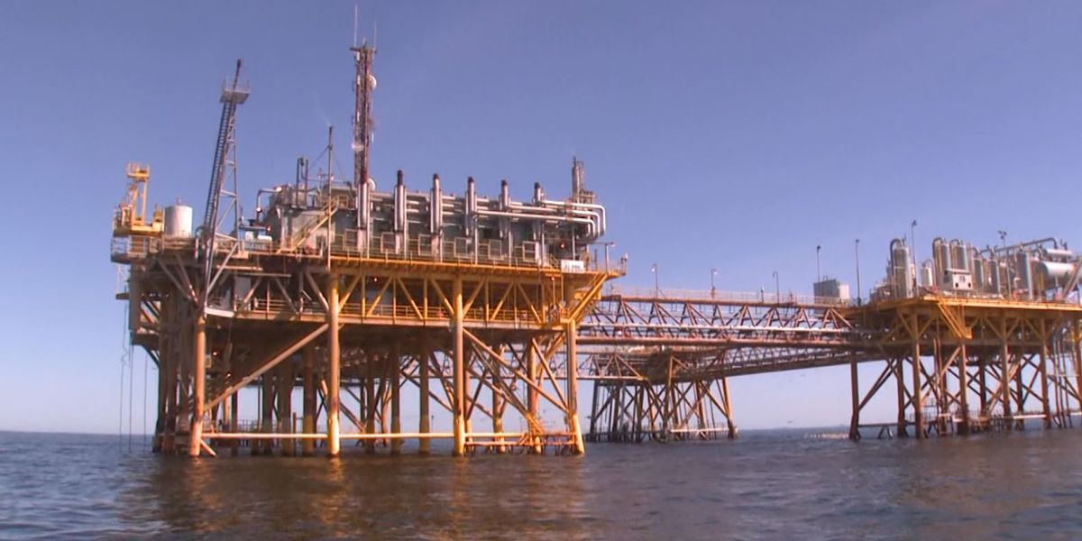 Senators ask Biden to back off oil and gas industry