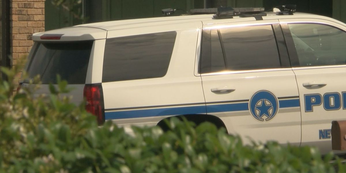 Police say 15-year-old shot as he tries to burglarize vehicle