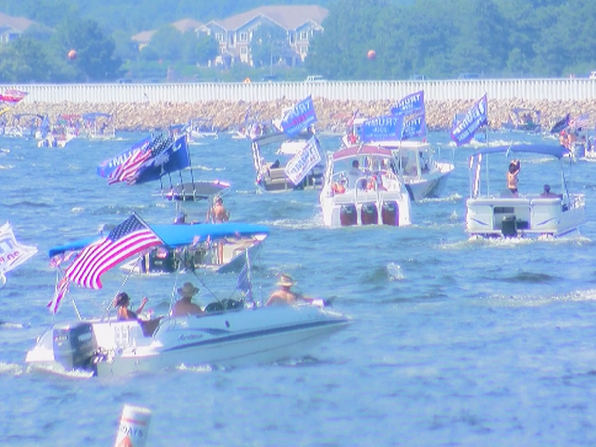 Thousands attend boat parade in support of President Trump