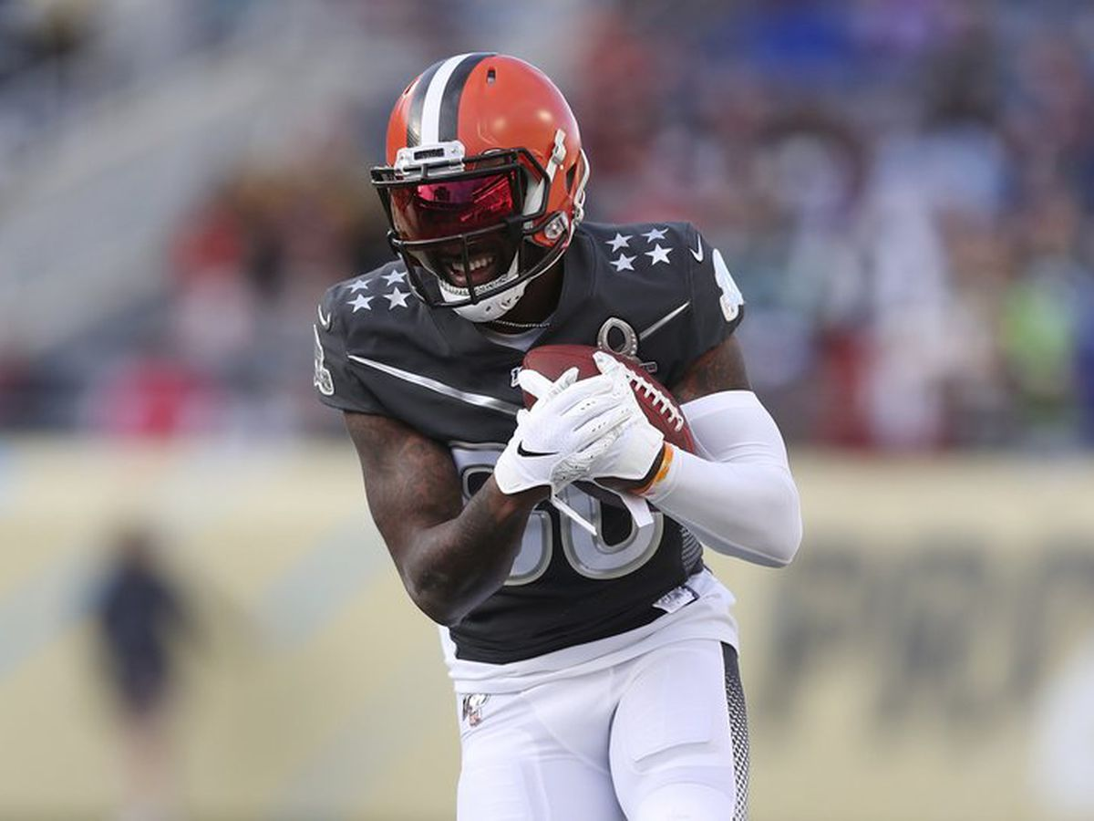 Browns' Jarvis Landry ahead of schedule in rehab from hip surgery