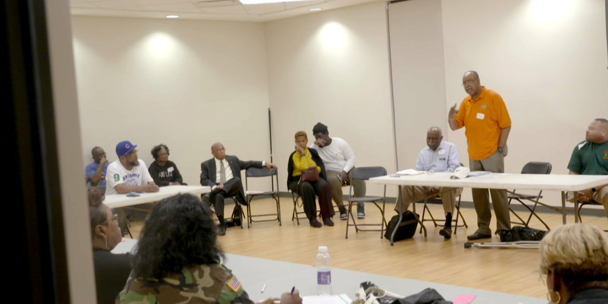 Alumni gather seeking answers from Field of Dreams Board, leave with few answers