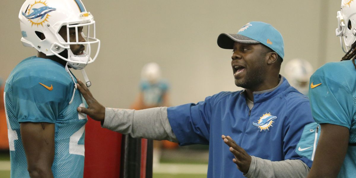 REPORT: LSU set to hire Vikings DB coach Daronte Jones as new defensive coordinator