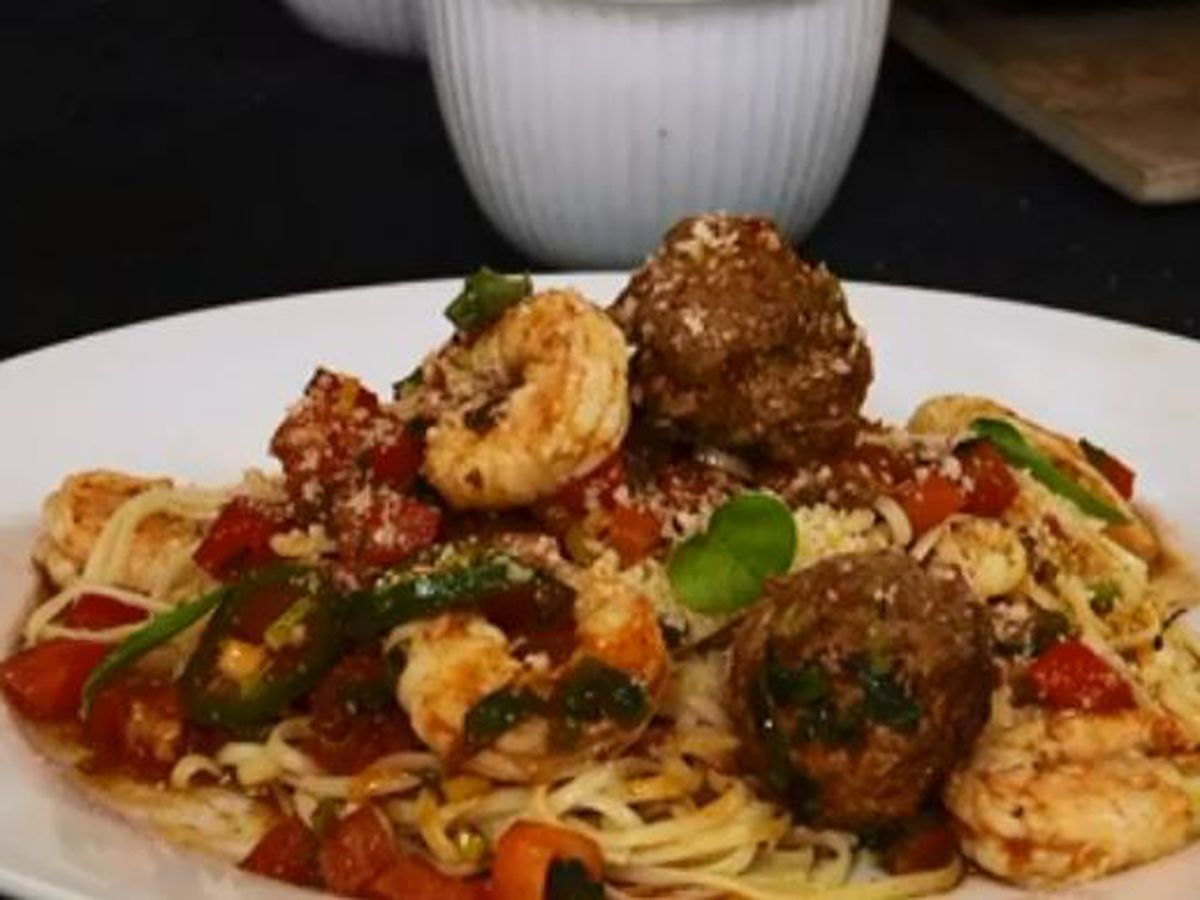 Chef Folse: Spicy Italian Sausage and Shrimp Linguine