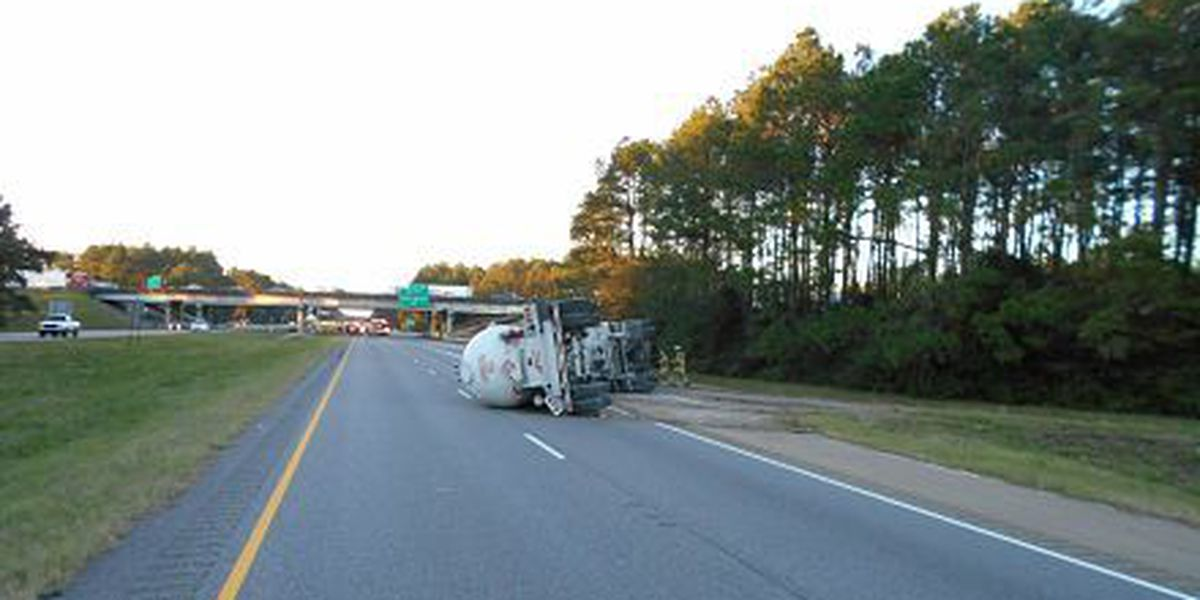 LSP: Interstate 55 closed near Interstate 12 to due to overturned tanker truck